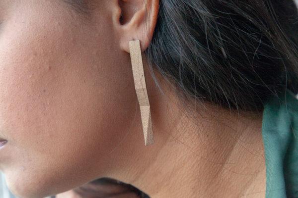 Checkpoint bronze steel earrings